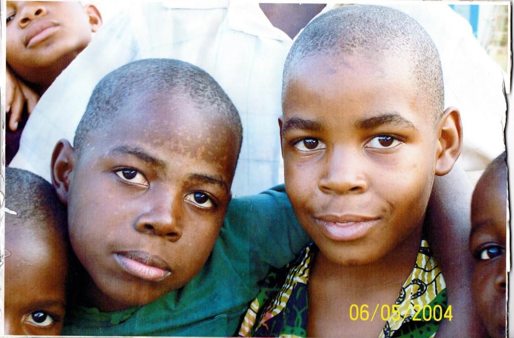 Gil 2004 (left)